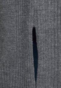 Dorothy Perkins Curve - CARDIGAN - Cardigan - charcoal - 5