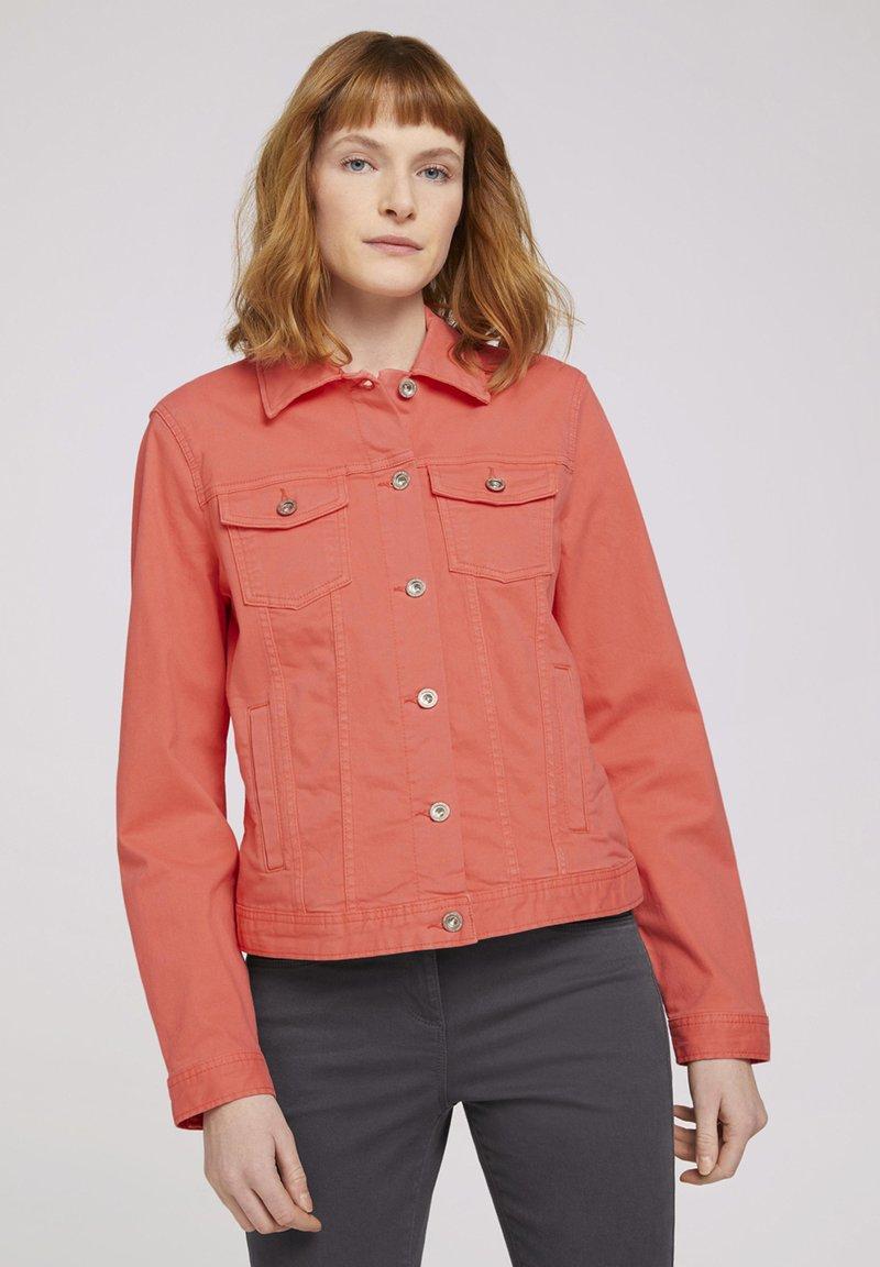 TOM TAILOR - MIT KNITTERDETAILS - Denim jacket - smooth papaya red