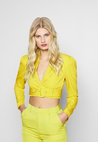UNIQUE 21 - CHARTREUSE BELTED CROP - Żakiet - charreuse