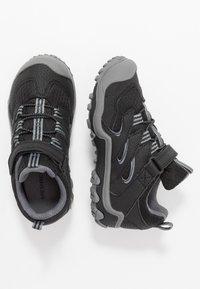 Merrell - CHAMELEON 7 LOW WTRPF - Hiking shoes - black/grey - 0