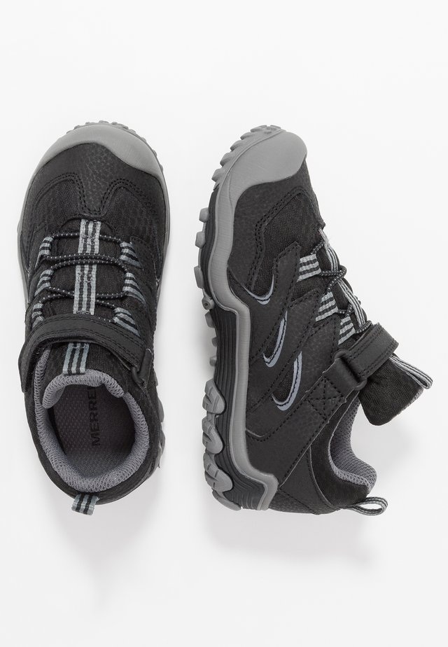 CHAMELEON 7 LOW WTRPF - Chaussures de marche - black/grey