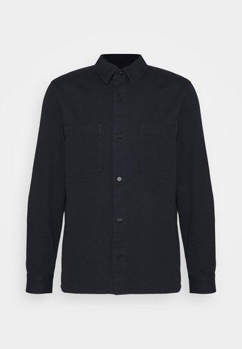 Skjorta