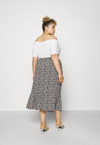 Mamalicious Curve - MLPHINA MIDI SKIRT - A-line skirt - black - 2