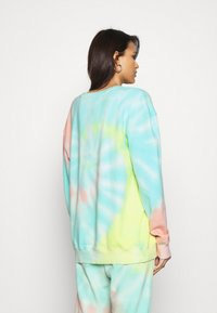 Missguided - PLAYBOY TIE DYE OVERSIZED CREW  - Sudadera - multi - 2