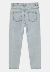 Grunt - MOM DOOP DAMAGE  - Jeans Relaxed Fit - light-blue denim - 1