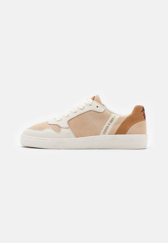 LAURITE - Sneakers laag - beige