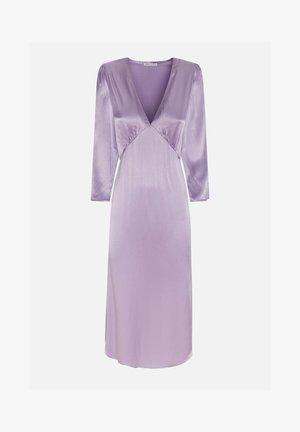 SATINIERTES KLEID IN ZARTLILA 30775115 - Day dress - mauve