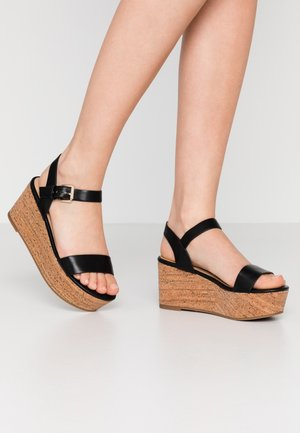 MAUMA - Sandály na platformě - black