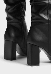 Bershka - Kozačky na vysokém podpatku - black - 3