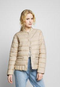 Cream - SOFIACR QUILTED JACKET - Light jacket - desert - 0
