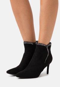 Menbur - Ankle boots - black - 0