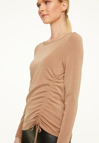 comma - Long sleeved top - chocolate camel - 2