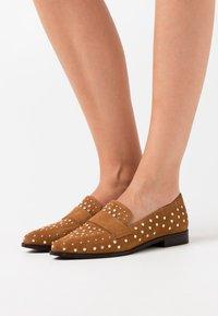 Copenhagen Shoes - Slip-ons - cognac - 0