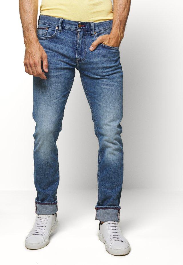 SLIM BLEECKER STRAIGHT BAIRD - Jeans slim fit - blue