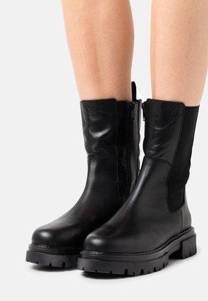 MERCURE - Kotníkové boty - black