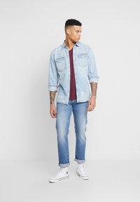 Replay - ROCCO - Straight leg jeans - medium blue - 1