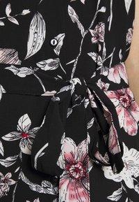 Vero Moda - VMSAHANNA DRESS - Košilové šaty - black - 6