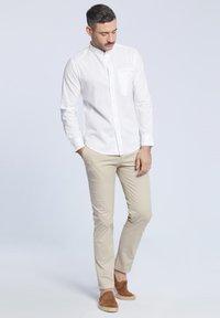 VISTULA - Spodnie materiałowe - beige - 1