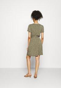 GAP - WRAP DRESS - Jersey dress - green - 2