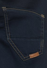 Name it - NKMROBIN DNMTHAYER PANT - Slim fit jeans - dark blue denim - 2