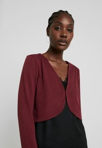 TOM TAILOR - BOLERO - Strikjakke /Cardigans - deep burgundy red - 4
