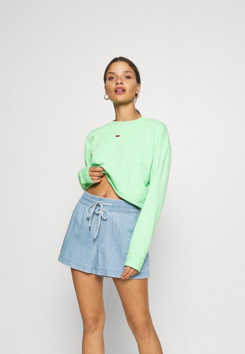 Topshop Petite - WATERMELON - Sweatshirt - green