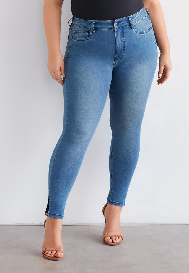 JEANS NIKI ANKLE SPLIT - Slim fit jeans - beach blue