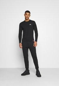 Alpha Industries - BACK PRINT HEAVY - Long sleeved top - black - 1