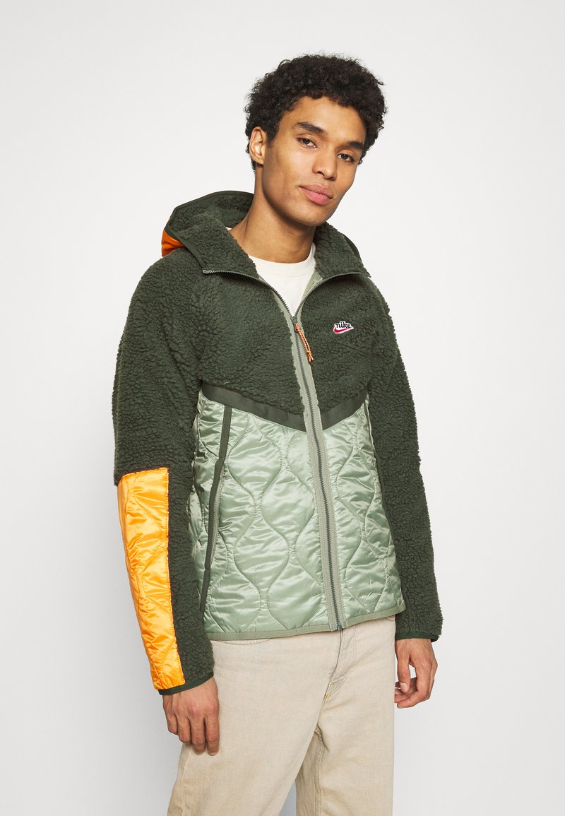Nike Sportswear - WINTER - Winter jacket - vintage green/spiral sage/kumquat