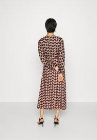 Closet - CLOSET PUFF SLEEVE DRESS - Day dress - pink - 2