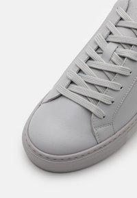 GARMENT PROJECT - TYPE VEGAN - Tenisky - light grey - 5
