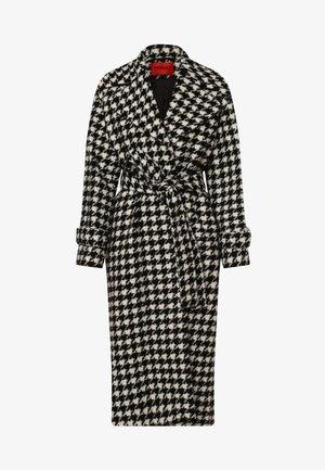 MANTEL MIRIANAS - Short coat - schwarz/ weiß