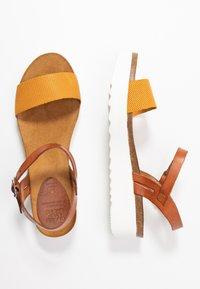 Grand Step Shoes - EDEN - Platform sandals - whiskey/sun - 3