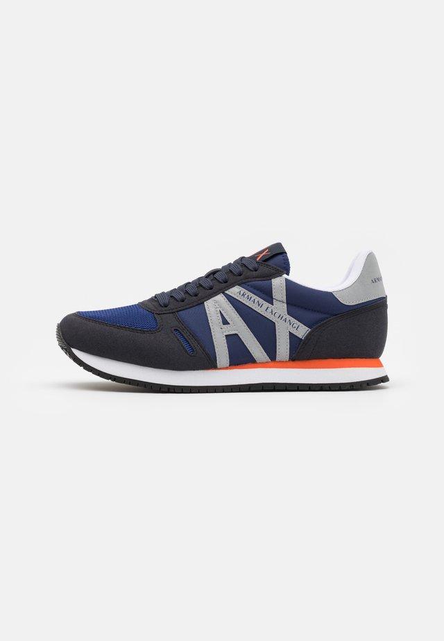 RETRO RUNNER - Sneakers - navy/dark blue/silver
