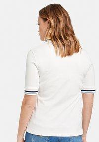 Gerry Weber - MIT KONTRASTKANTEN - Polo shirt - off white - 1