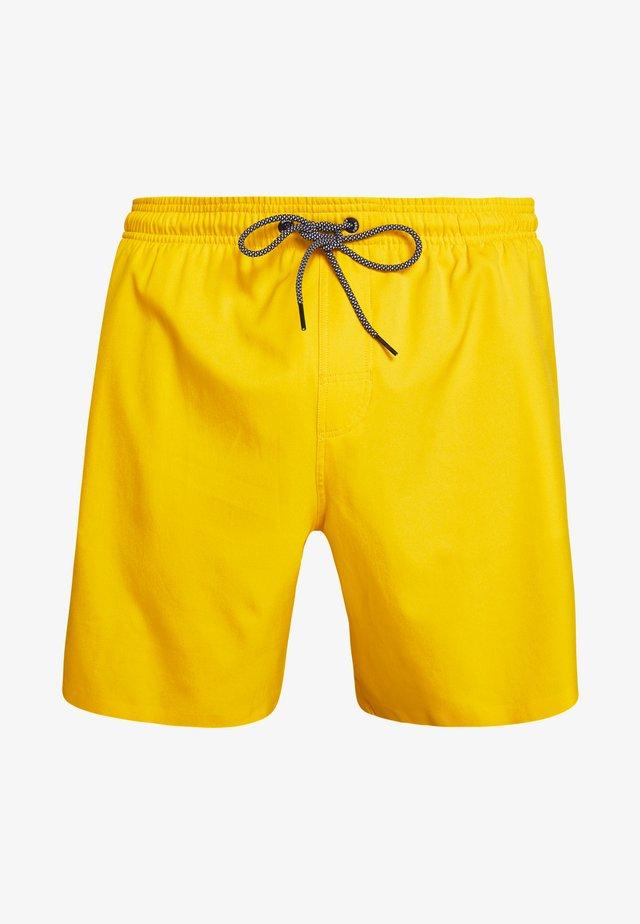 SWIM MEN MEDIUM LENGTH - Swimming shorts - yellow