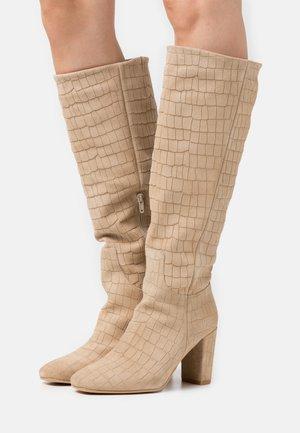 VMMELAN BOOT - Vysoká obuv - offwhite