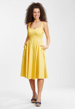 JENNY-LU  - Vapaa-ajan mekko - yellow