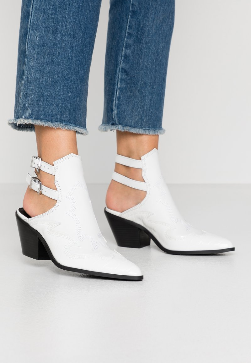 Steve Madden - HIRED - Ankle boots - white