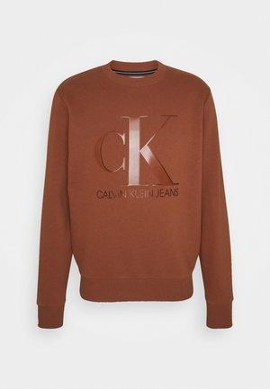 MONOGRAM CREW NECK UNISEX - Sweatshirt - brown
