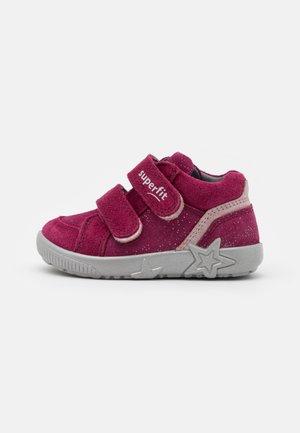 STARLIGHT - Dětské boty - rot/rosa