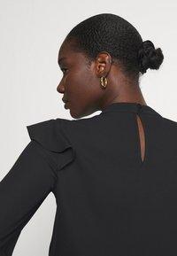 Wallis - RUFFLE - Long sleeved top - black - 3