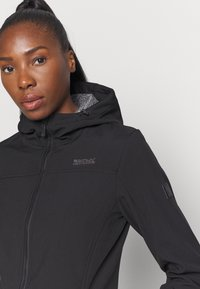 Regatta - ALERIE - Soft shell jacket - black - 5