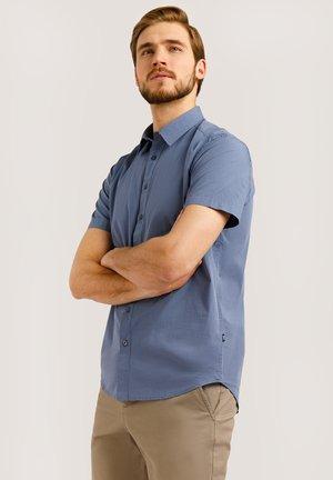 MIT FEINEM KARO-MUSTER - Shirt - aura