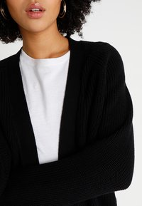 Even&Odd - BASIC- SHORT OPEN CARDIGAN - Vest - black - 3