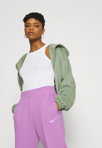 Nike Sportswear - Pantalones deportivos - violet shock/white - 3