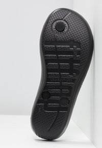 FitFlop - IQUSHION SPARKLE - Flip Flops - black - 6