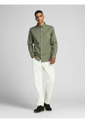 JPRBLUBROOK OXFORD - Formal shirt - olive