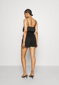Vero Moda - VMSUMMER SABINA - Shorts - black - 2