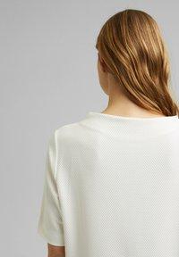 Esprit - FASHION  - Basic T-shirt - off white - 6